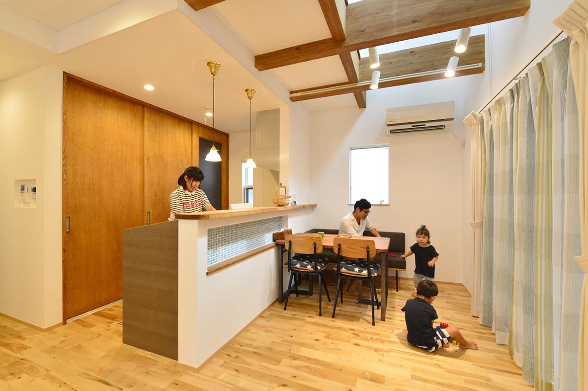 素材感や質感にこだわったシンプルな北欧モダンの家